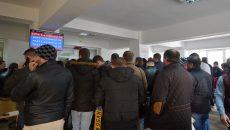 Ghișeele Serviciului Permise și Înmatriculări Dolj au fost luate cu asalt în ultimele zile (Foto: Bogdan Grosu)