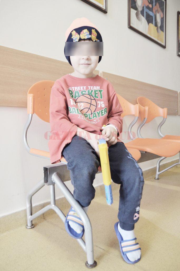 Tot mai mulţi copii sunt diagnosticaţi de la vârste mici cu boli grave (Foto: bogdan Grosu)