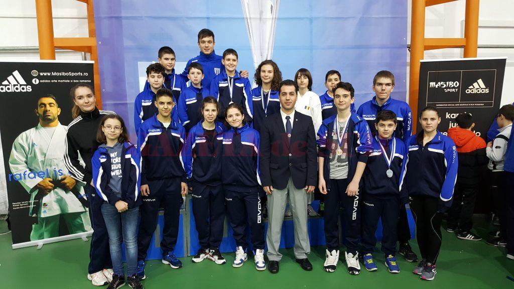 Sportivii antrenaţi de Geri Mitroi au urcat de multe ori pe podium