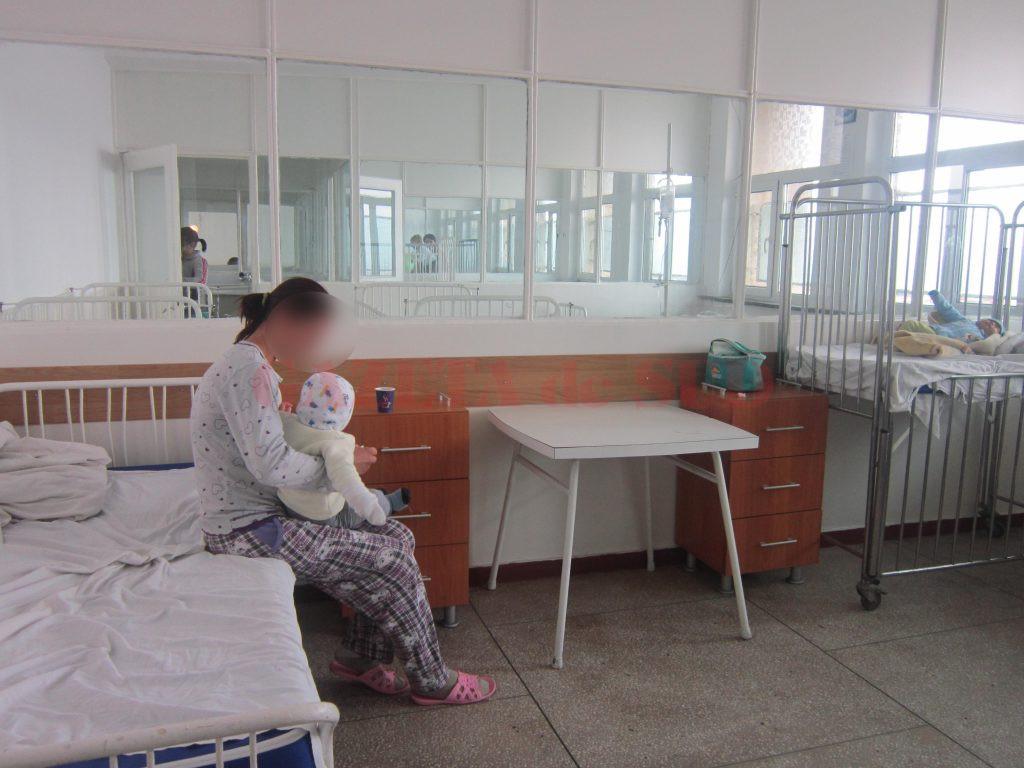 Mulți dintre copiii doljeni, care suferă de cancer, merg pentru tratament în București sau Cluj, părinții însă fac față cu greu cheltuielilor
