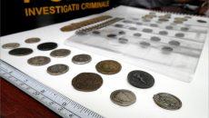 Polițiștii doljeni au confiscat 49 de monede și două brățări care ar fi fost obținute ilegal din situri arheologice clasate în patrimoniul cultural naţional