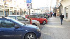 """Locurile de parcare de pe strada Romul, de la Prefectură și de pe strada A.I. Cuza vor fi """"la liber"""", cel puțin până la sfârșitul lunii martie (FOTO: Claudiu Tudor)"""