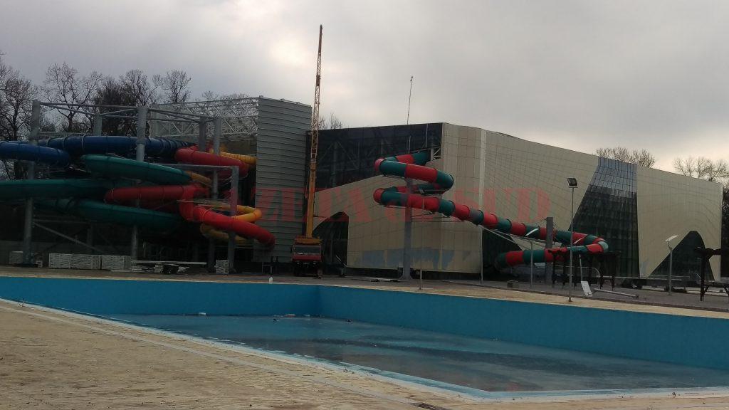 """La Water Park, lucrările au """"îngheţat"""" în vara anului trecut şi se aşteaptă şi în prezent, după noua autorizaţie de construire"""