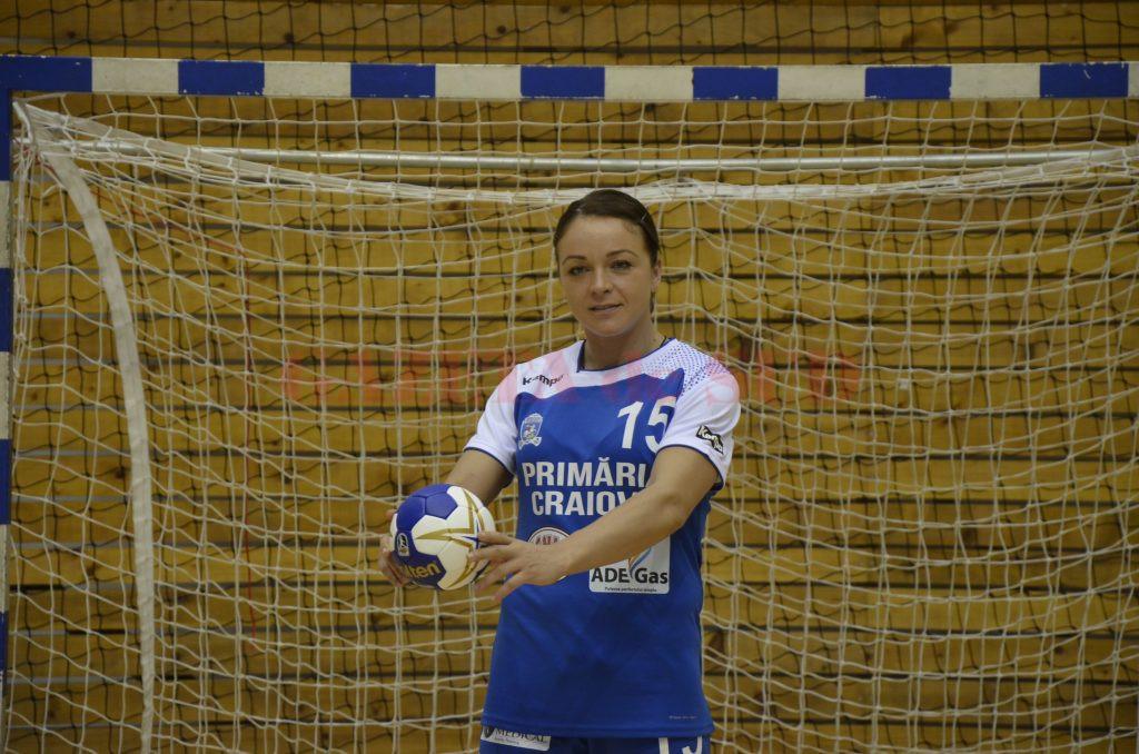 Valentina Ardean Elisei s-a transferat vara trecută la SCM Craiova, dar s-a accidentat în meciul din etapa a cincea cu CSM București