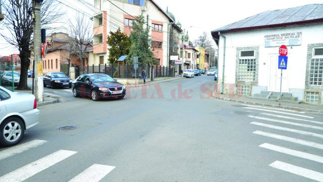 Foarte periculoasă este şi intersecţia străzilor Câmpia Islaz cu Bibescu