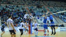Jucătorii craioveni (în alb) au obţinut o victorie de trei puncte cu Steaua (foto: Daniela Mitroi-Ochea)