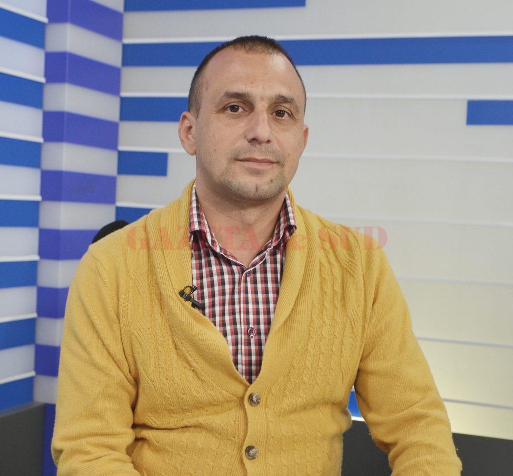 Florin Matei, managerul și administratorul firmei Garda Blok SRL, spune că cine dorește să atragă fonduri europene și este la început de drum trebuie să înceapă cu proiecte mici  (Foto: Bogdan Grosu)