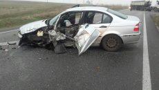 În accidentul de la Balş, BMW-ul a fost făcut praf, iar roata din faţă i-a zburat