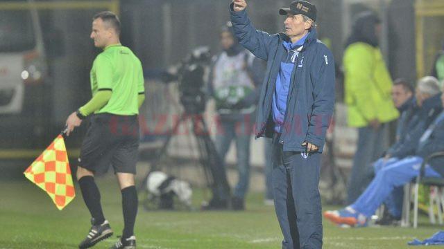 Gigi Mulțescu, mulțumit de evoluția elevilor săi (Foto: csuc.ro)