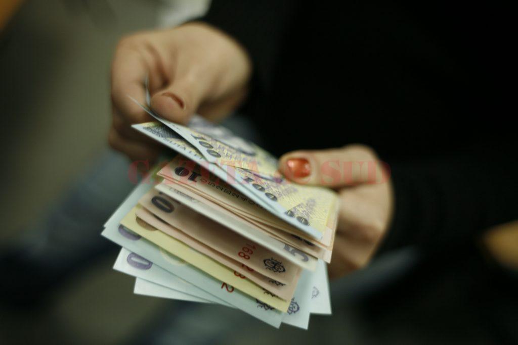 Guvernul cere Fiscului să întreprindă măsuri ca să încaseze mai mulți bani de la firme