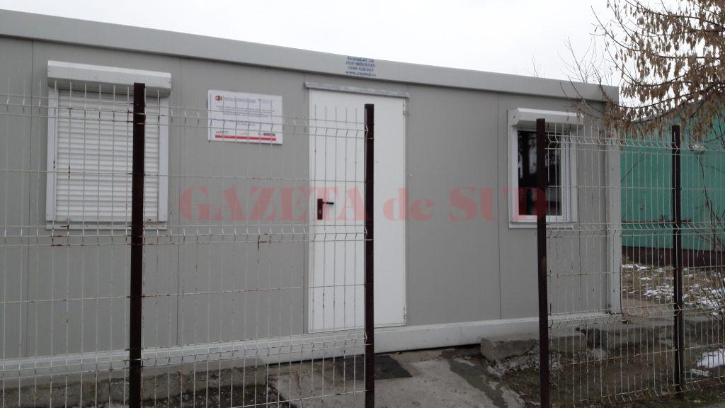 Containerul este amplasat la intrarea în cartierul Grădişte din Slatina