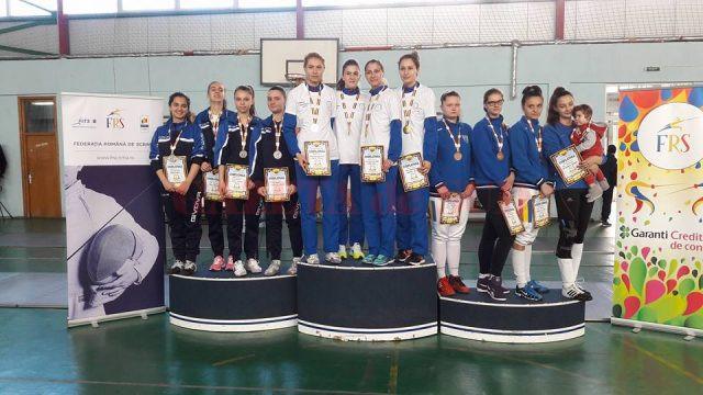 La echipe, sportivele din Bănie au cucerit argint şi bronz