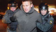 opozantul-lui-vladimir-putin-aleksei-navalnii-condamnat-la-cinci-ani-de-inchisoare-217828