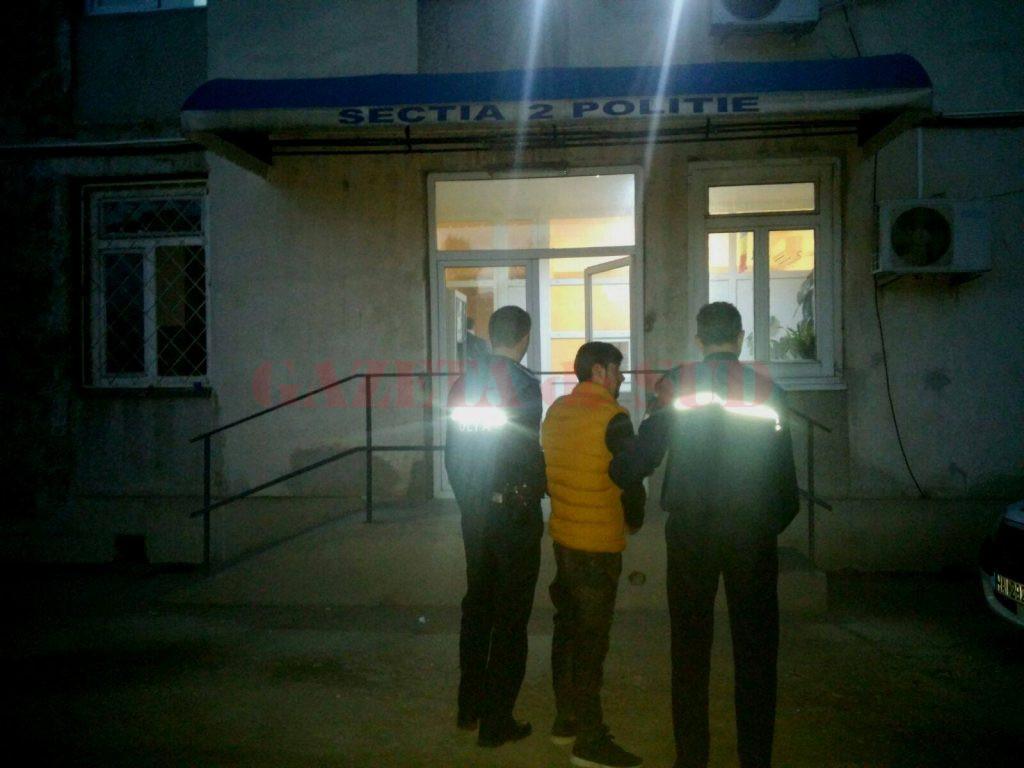 Trușcă a fost reținut luni seară, după ce a fost audiat de procurorii doljeni (Foto: IPJ Dolj)