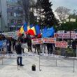 Pescarii au protestat, în prima parte a acestei luni, în fața Prefecturii Olt