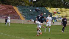 """În meciul tur, disputat pe stadionul """"Extensiv"""", jucătorii din Filiași (în echipament închis) s-au impus cu scorul de 2-0 (Foto: Arhiva GdS)"""