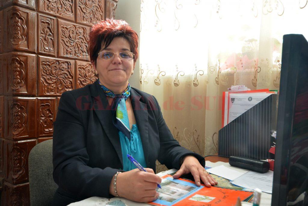 Silvia Răveanu, directoarea Şcolii Profesionale din Corlăţel (Foto: bogdan Grosu)