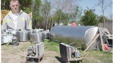 Claudiu Buzgure (foto medalion) a investit în tancuri de răcire a laptelui (Foto: Bogdan Grosu)