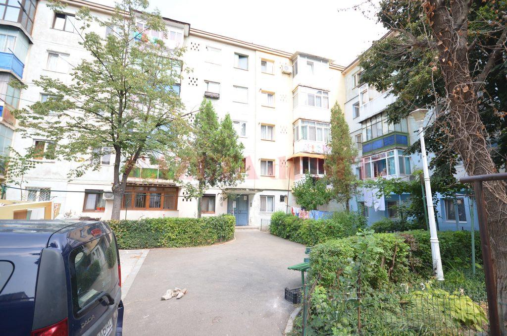 Potrivit anchetatorilor, craioveanul de 30 de ani a amenințat că aruncă în aer blocul în care locuiește