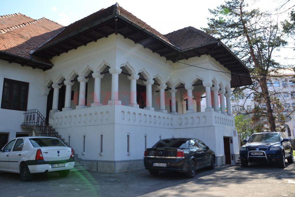 """Casa """"Barbu Gănescu"""" din Târgu Jiu"""