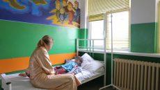 Medicii și părinții spun că în Oltenia ar trebui să existe un spital destinat copiilor, astfel încât micuții pacienți să nu mai fie nevoiți să meargă sute de kilometri până la un specialist