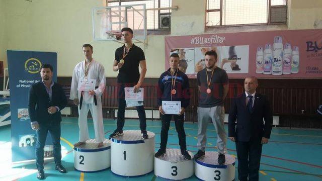 Marius Florescu - locul trei (stânga)