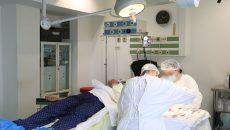 În povestea transplantului pulmonar, între dispute, declarații oficiale și multe nelămuriri, rămâne chinul pacienților care își trec viața și toate speranțele pe o listă de așteptare