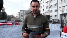 Aurel Dascălu a făcut grevă în fața Inspectoratului Școlar Județean Olt