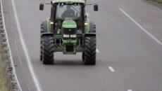 tractor-pe-autostrada