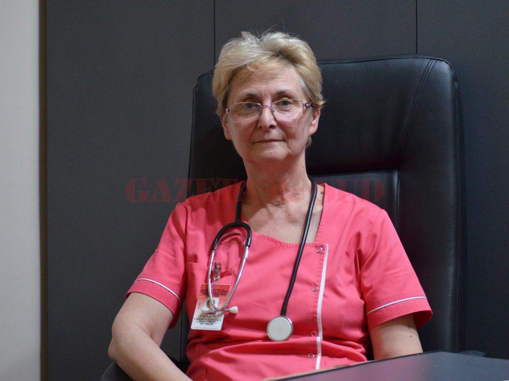 Conf. univ. dr. Valerica Tudorică, șefa Clinicii II Neurologie din cadrul Spitalului de Neuropsihiatrie Craiova, vorbește despre cum pot beneficia pacienții care suferă de Parkinson de nouă procedură de tratament (Foto: Bogdan Grosu)