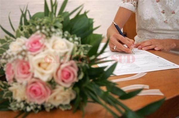 Craiovenii care doreau să se căsătorească pe 1, 2, 4, 5 iunie - trimişi la plimbare