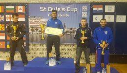 Alin Mitrică (centru) a câştigat trofeul în Croaţia, iar Lucian Ciovică (dreapta) s-a clasat pe locul trei
