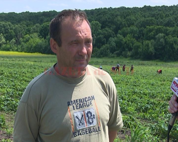 Marian Florica, unul dintre fermierii din Perişor, care au reuşit să pună pe picioare o afacere în domeniul agricol mizând pe o mare diversitate de culturi