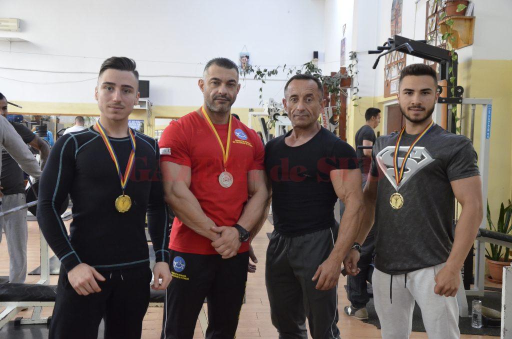 Paul Dâlganu, Cristi Firică, Costel Torcea şi Sebastian Pană se antrenează zilnic pentru medalii importante (Foto: Alexandru Vîrtosu)