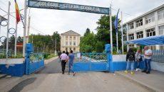 """Peste 1.900 de elevi de clasa a VIII-a au susținut probele de comunicare într-o limbă străină la Colegiul """"Ștefan Odobleja"""" din Craiova"""