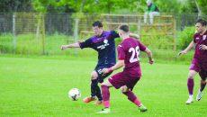 Nicușor Neacșu (la minge) a fost cel mai bun jucător de pe teren în partida cu Voluntari ()