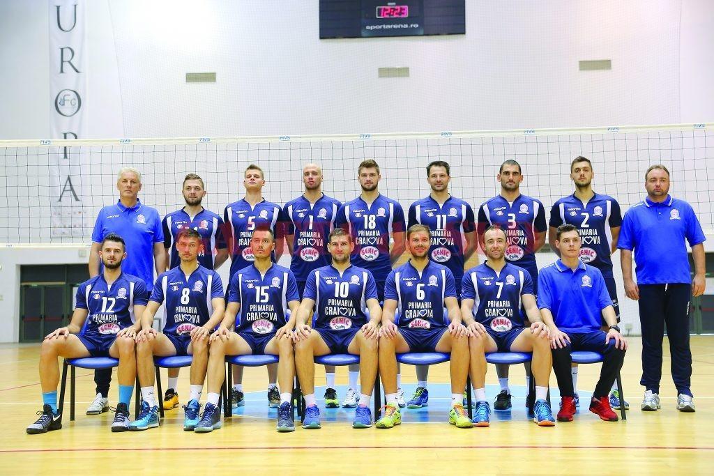 Voleibaliştii craioveni au cucerit anul acesta medalia de argint, după un campionat foarte echilibrat, în care câştigătoarea titlului s-a decis după ultimul meci