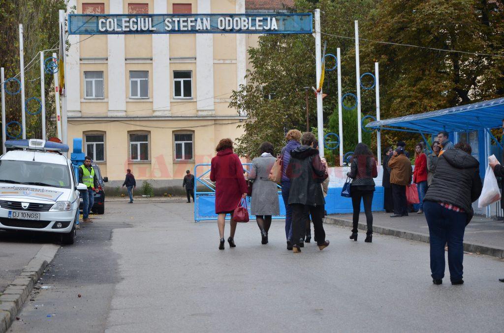 """La Colegiul """"Ștefan Odobleja"""" din Craiova se vor derula probele de evaluare a elevilor care vor să opteze pentru clasele cu program bilingv"""