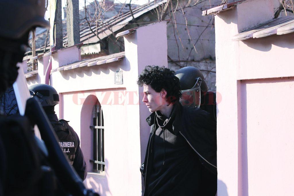 Elevul craiovean a fost ridicat de anchetatori pe 8 decembrie 2016,  iar o zi mai târziu a fost arestat preventiv (Foto: arhiva GdS)