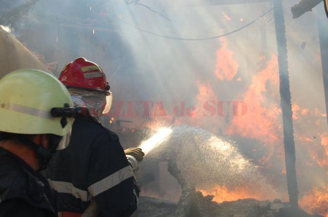 incendiupompieri-1454842720