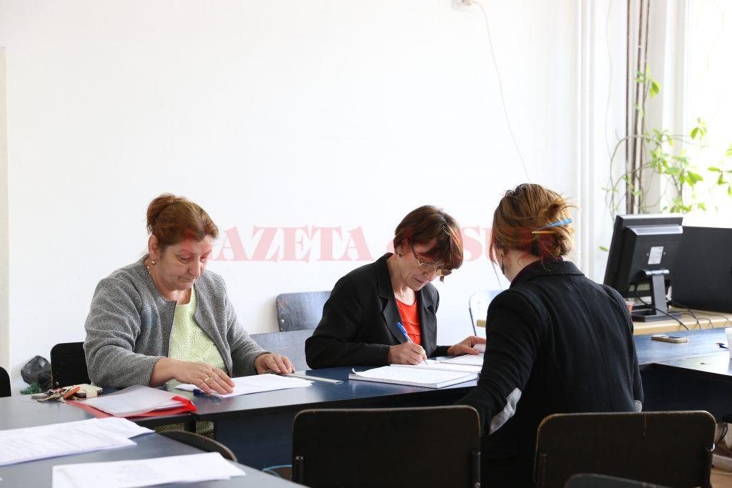 Cadrele didactice care sunt repartizate pe posturi vacante pot solicita titularizarea în perioada 3-5 mai, la Inspectoratul Școlar Județean Dolj (Foto: Arhiva GdS)
