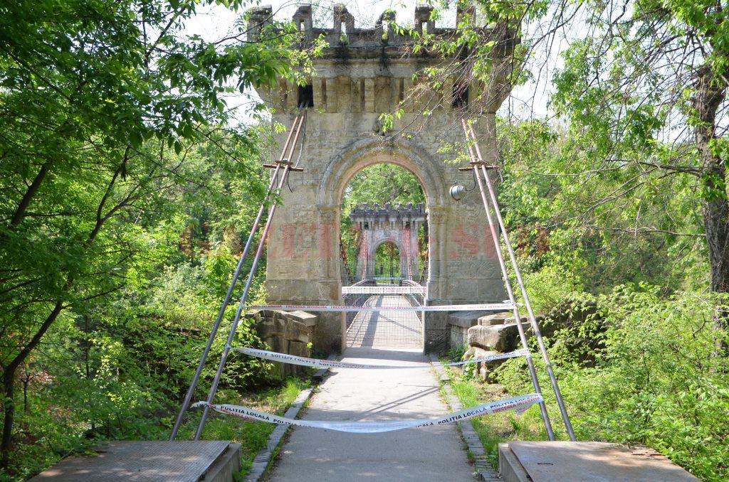 Podul Suspendat, închis (Foto: Claudiu Tudor)