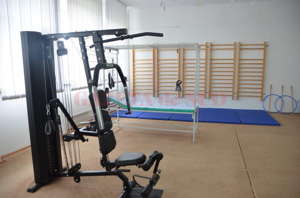 Sala de kinetoterapie amenajată pentru bolnavi (Foto: Claudiu Tudor)