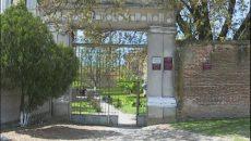 Mănăstirea a fost certificatul de naştere a localităţii Segarcea (Foto: Claudiu Tudor)