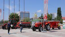 Un tractor de 46 de cai putere produs de MAT SA Craiova se vinde cu aproximativ 100.000 de lei