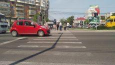 Trecerile de pietoni de pe Calea București sunt și ele din ce în ce mai puțin vizibile (FOTO: Marian Apipie)