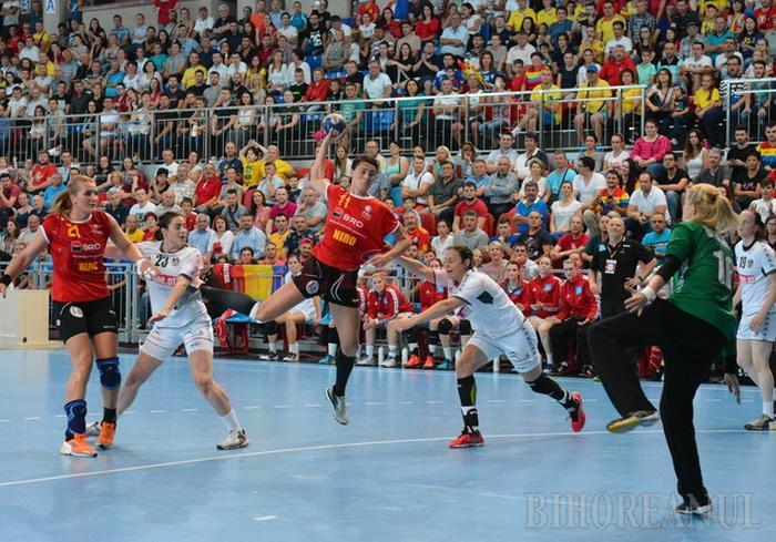 Româncele (în tricou roşu) sunt tot mai aproape de calificare după succesul de aseară (foto: Bihoreanul)