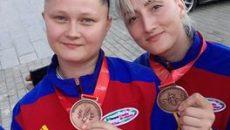 Adela Danciu (foto stânga) şi Raluca Sbîrcea au contribuit la medalia de bronz cucerită de România