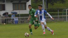 Alex Băluță (la minge) este mulțumit de cum s-a prezentat echipa în amicalul cu Ludogorets (Foto: csuc.ro)