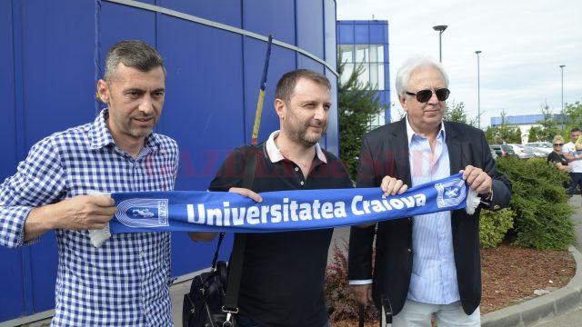 Devis Mangia (centru) va fi prezentat luni suporterilor CS Universitatea Craiova (Foto: Alexandru Vîrtosu)